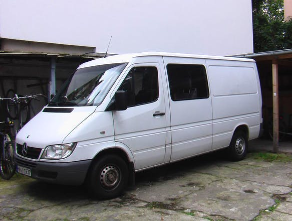 transporter mercedes sprinter 2005 diesel in hamburg. Black Bedroom Furniture Sets. Home Design Ideas