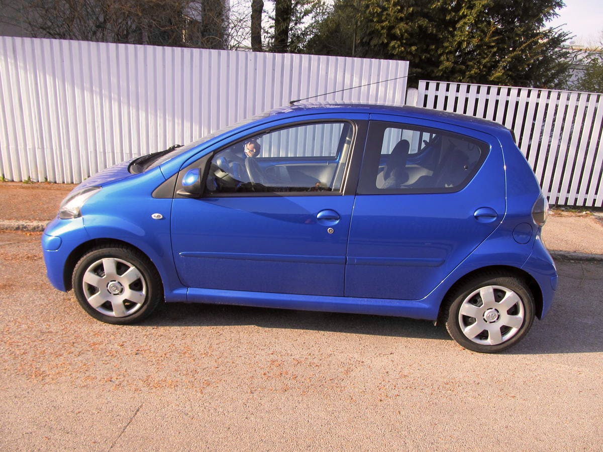 Toyota Aygo Cool blue mit CD-Player