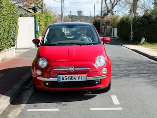 location fiat 500 diesel pessac avec si ge b b. Black Bedroom Furniture Sets. Home Design Ideas