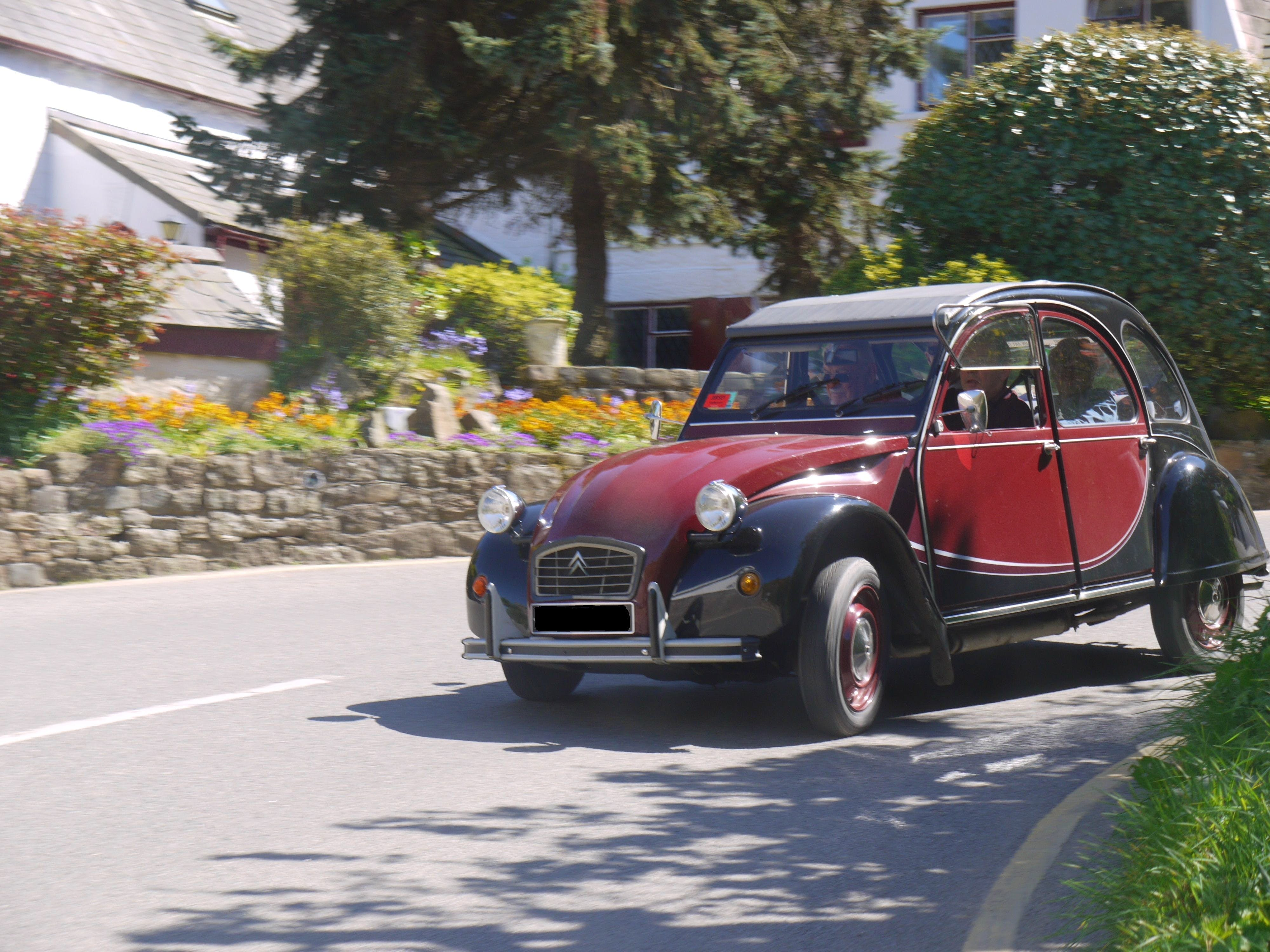 location citroen 2cv 1990  u00e0 saint planchers  impasse des