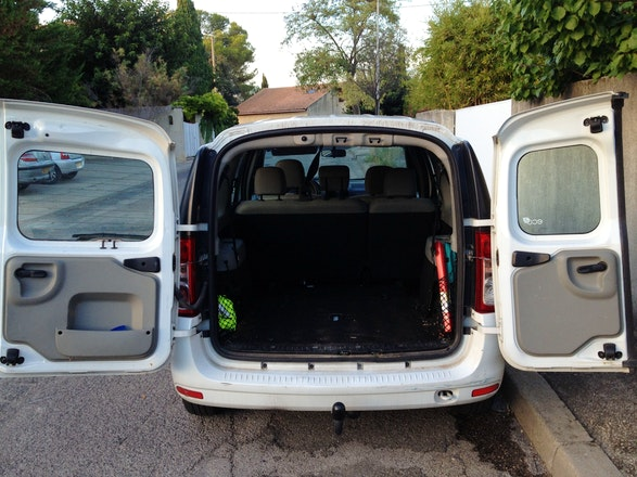 location dacia logan mcv 2009 diesel 7 places montpellier rue de la roqueturi re. Black Bedroom Furniture Sets. Home Design Ideas