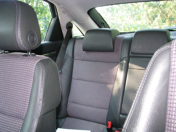 Location opel vectra 2003 diesel n mes 54 chemin combe - Location voiture nimes ...