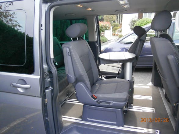 location minibus volkswagen multivan 2010 diesel 7 places plomelin 7 lotissement kergadiou. Black Bedroom Furniture Sets. Home Design Ideas