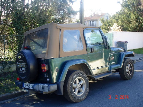location jeep wrangler 1999 gpl poissy 55 avenue de l 39 le de migneaux. Black Bedroom Furniture Sets. Home Design Ideas