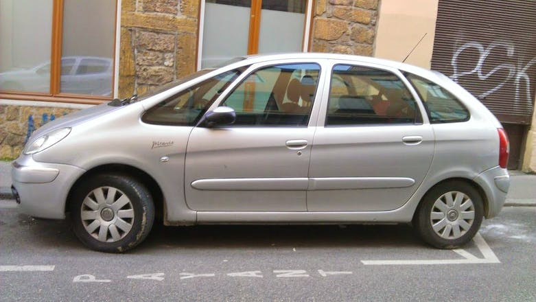 location citroen xsara picasso 2006 automatique lyon rue du mail. Black Bedroom Furniture Sets. Home Design Ideas