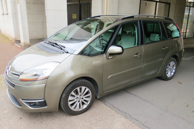 location citroen c4 grand picasso 2009 diesel 7 places marseille 34 avenue ollivary. Black Bedroom Furniture Sets. Home Design Ideas