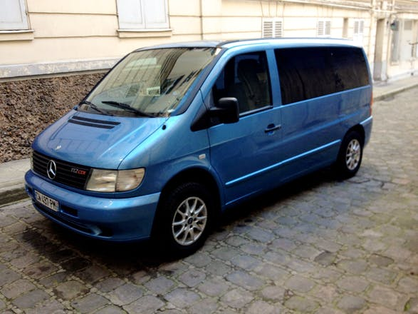 location minibus mercedes vito tourer 2001 diesel automatique 7 places paris rue du faubourg. Black Bedroom Furniture Sets. Home Design Ideas