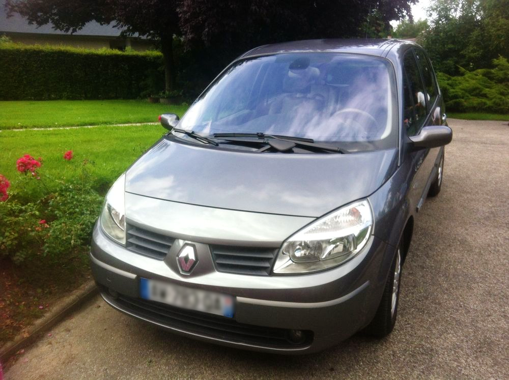 Renault Scenic II Finition Luxe, 2003, Essence, automatique