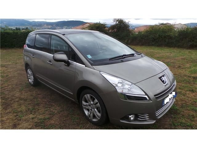 Peugeot 5008 Allure GPS Toit panoramique, 2013, Diesel, automatique, 7 places