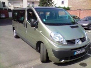 location renault trafic combi 2007 diesel 8 places lille rue du pont neuf. Black Bedroom Furniture Sets. Home Design Ideas
