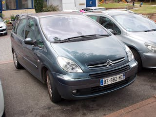 location citroen xsara picasso 2007 diesel saint quentin fallavier place de la paix. Black Bedroom Furniture Sets. Home Design Ideas
