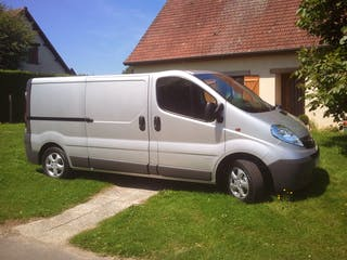 location utilitaire opel vivaro 2012 diesel abancourt 9 rue d 39 amiens. Black Bedroom Furniture Sets. Home Design Ideas