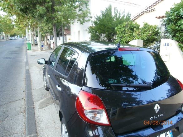 location renault clio 2010 diesel automatique toulon 35 avenue bellegarde. Black Bedroom Furniture Sets. Home Design Ideas