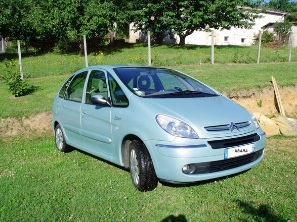 location citroen xsara picasso 2005 automatique sarlat la can da chemin de la gendonnie. Black Bedroom Furniture Sets. Home Design Ideas