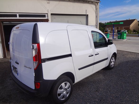 location renault kangoo 2014 diesel mur de sologne 341 rue de blois. Black Bedroom Furniture Sets. Home Design Ideas