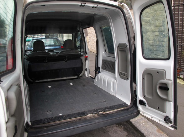 location renault kangoo 2007 diesel montreuil rue raspail. Black Bedroom Furniture Sets. Home Design Ideas
