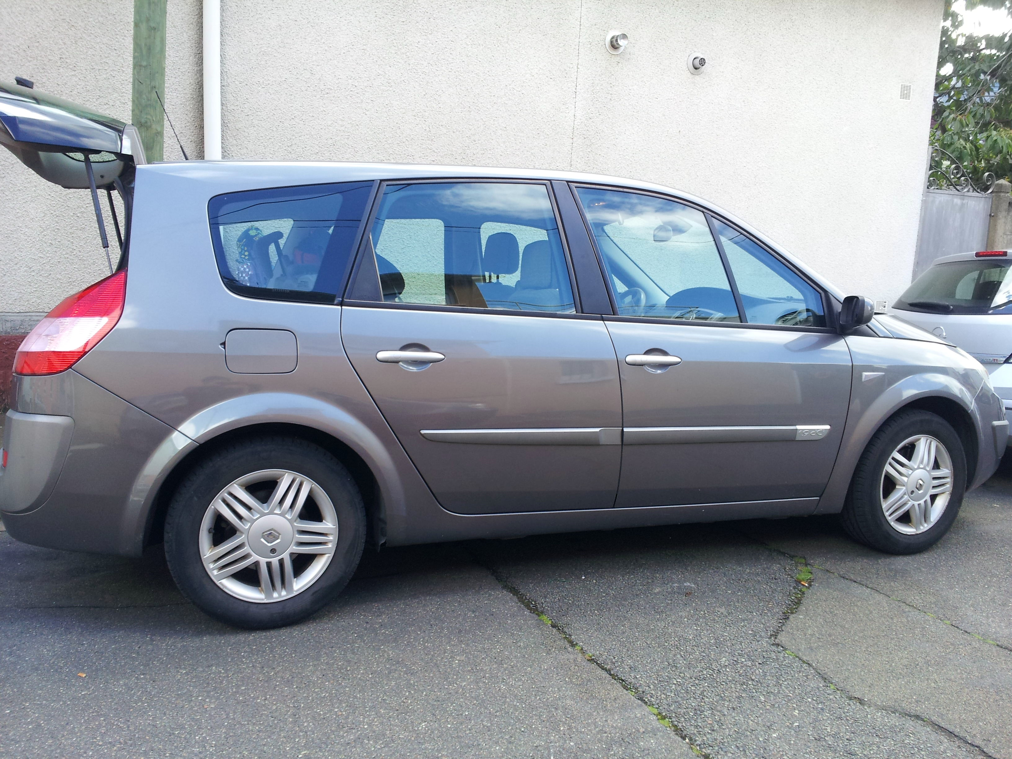 Renault Megane Scenic 2 Luxe , 2004, Diesel, 7 places