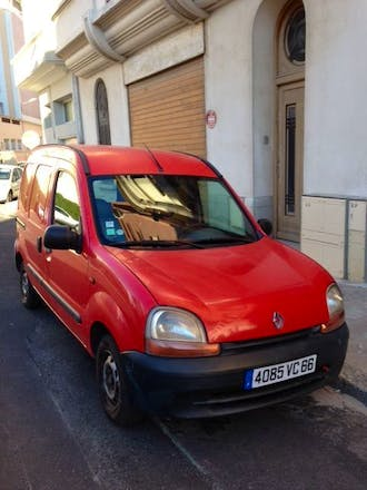 location utilitaire renault kangoo express 1999 perpignan 5 avenue du commandant ernest. Black Bedroom Furniture Sets. Home Design Ideas