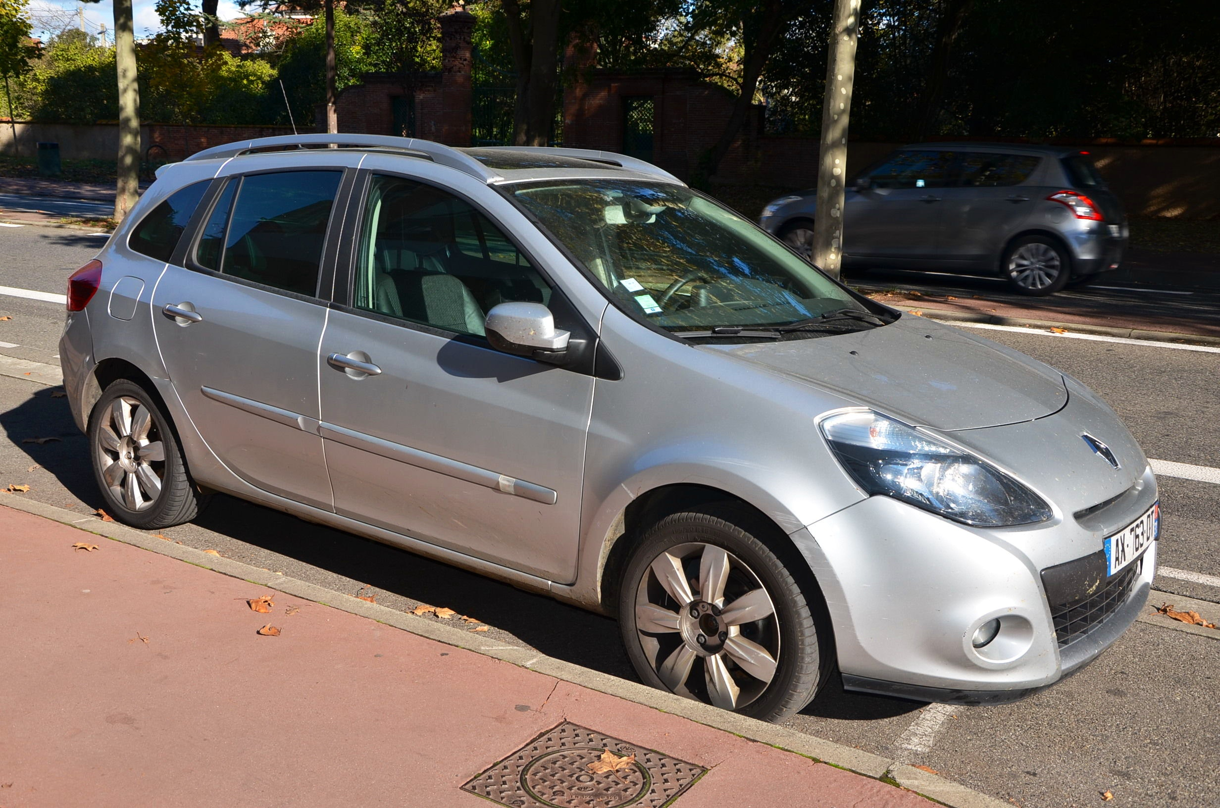 Renault Clio 3 Estate Exception Tom Tom DCI 105, 2010, Diesel - Berline Toulouse (31)