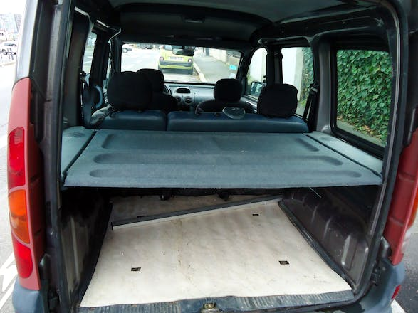 location renault kangoo 2001 nantes all e de l 39 indre. Black Bedroom Furniture Sets. Home Design Ideas