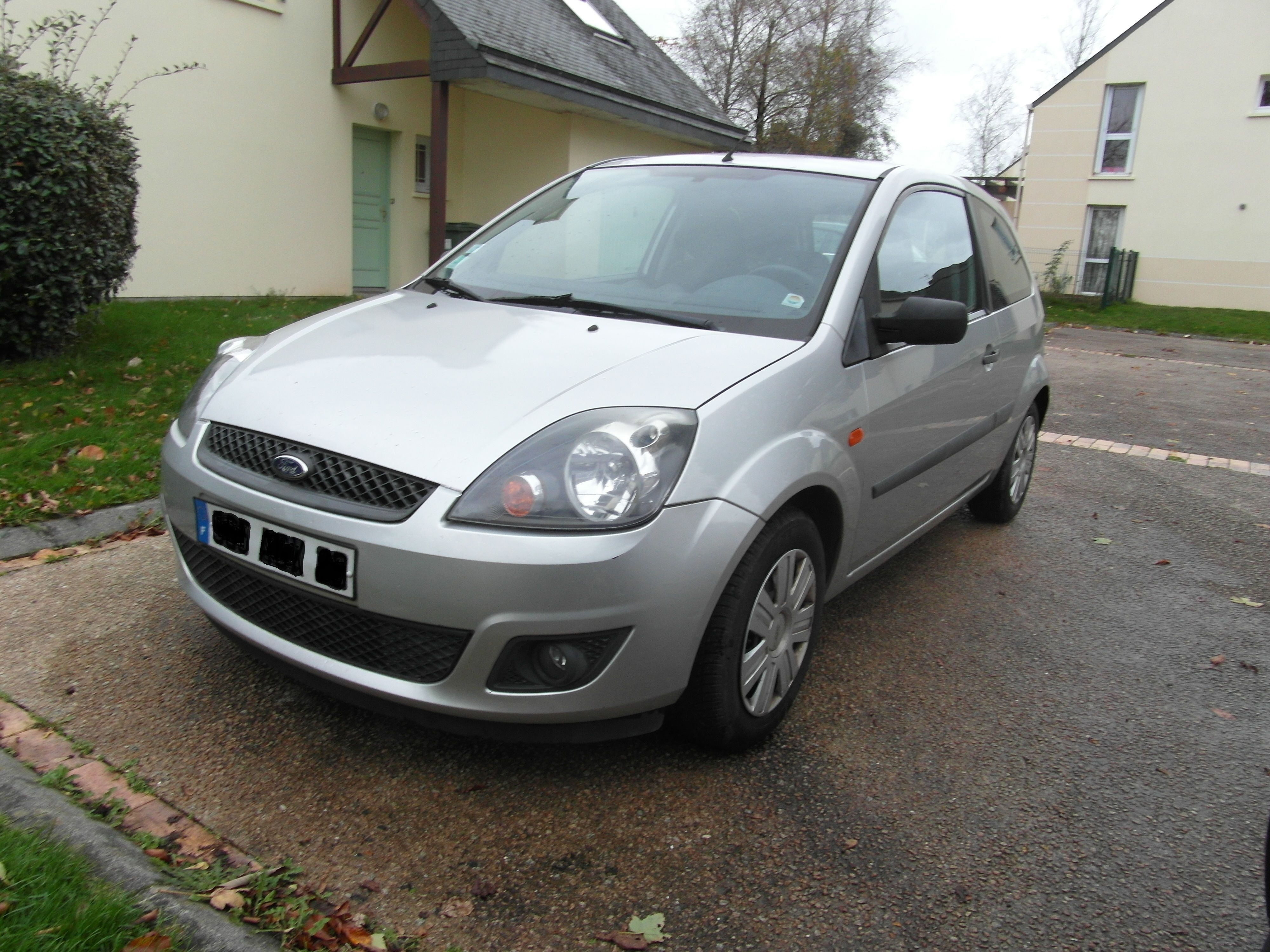 ford  fiesta  1,3i SENSO, 2006, Essence
