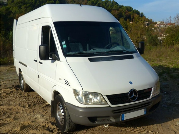 location utilitaire mercedes sprinter 2003 diesel nice. Black Bedroom Furniture Sets. Home Design Ideas