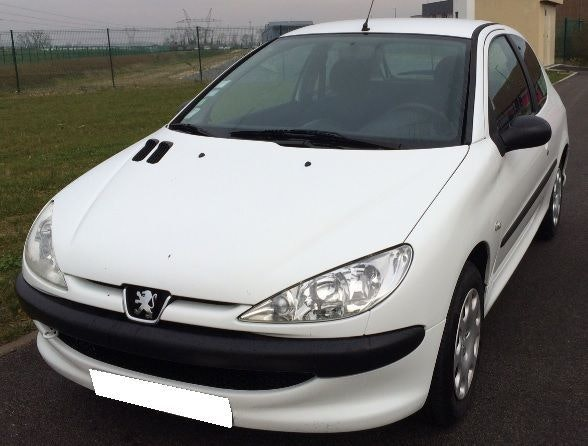 PEUGEOT 206 HDI - Diesel - 5 Places - 4Cv - 70ch - Direction assistée, Radio CD, 2005, Diesel