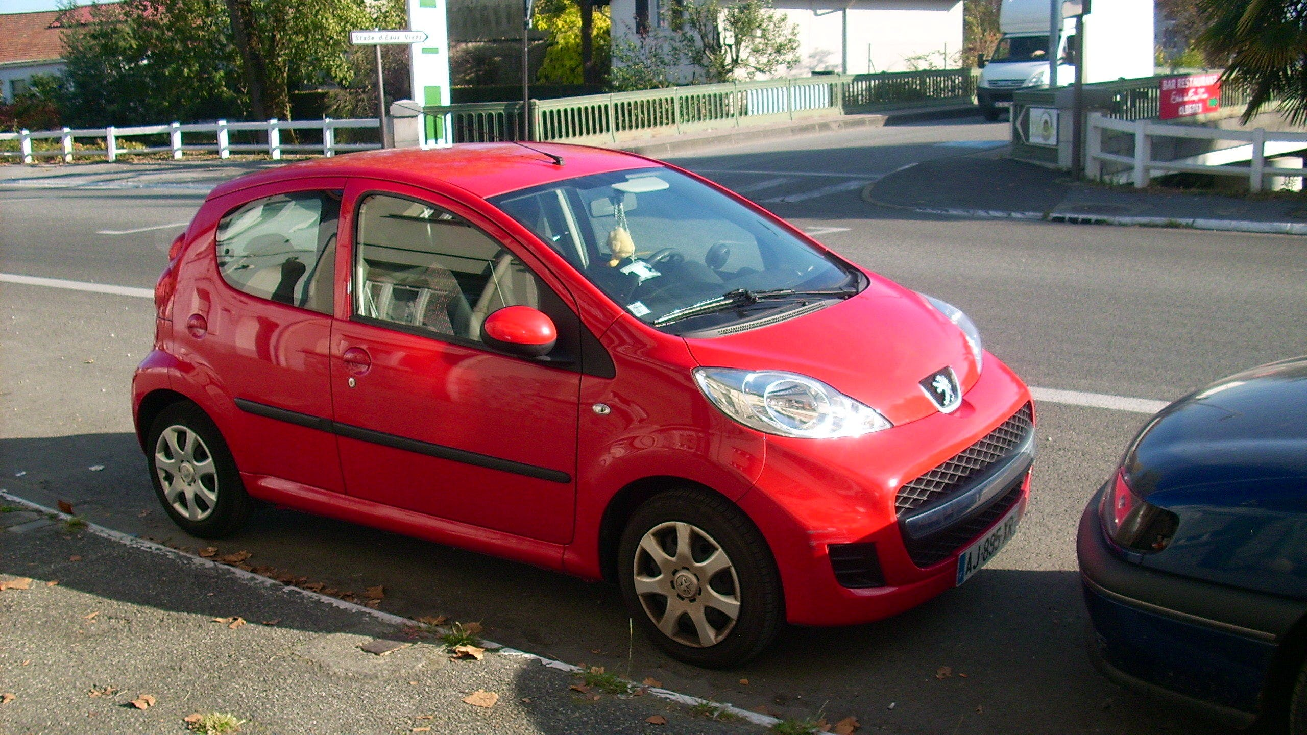 location peugeot 107 2010  u00e0 pau  avenue gaston lacoste