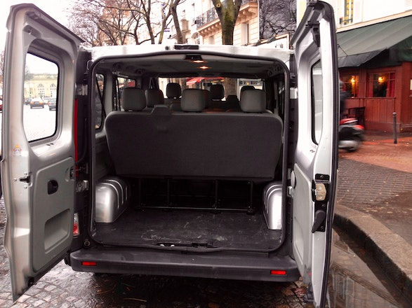 location minibus opel vivaro combi 2009 diesel 9 places malakoff 8 passage du th atre. Black Bedroom Furniture Sets. Home Design Ideas