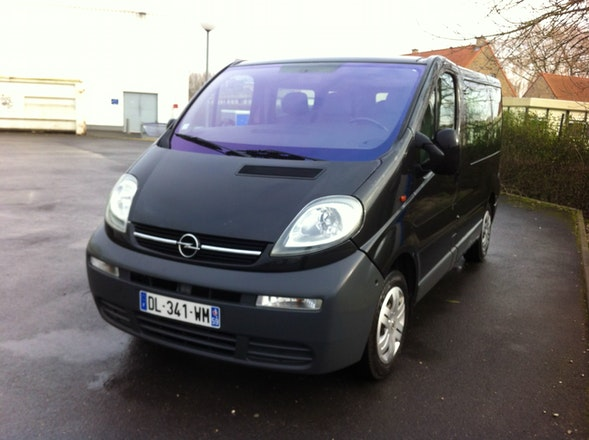 location minibus opel vivaro combi 2006 diesel 9 places. Black Bedroom Furniture Sets. Home Design Ideas