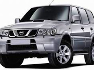 location nissan terrano 2004 diesel 7 places nesles la vall e 39 rue carnot. Black Bedroom Furniture Sets. Home Design Ideas