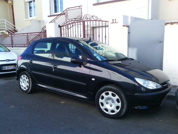 location peugeot 206 2005 diesel montpellier georges fr che h tel de ville. Black Bedroom Furniture Sets. Home Design Ideas