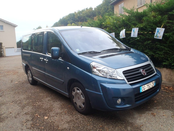 location minibus fiat scudo panorama 2014 diesel 9 places. Black Bedroom Furniture Sets. Home Design Ideas