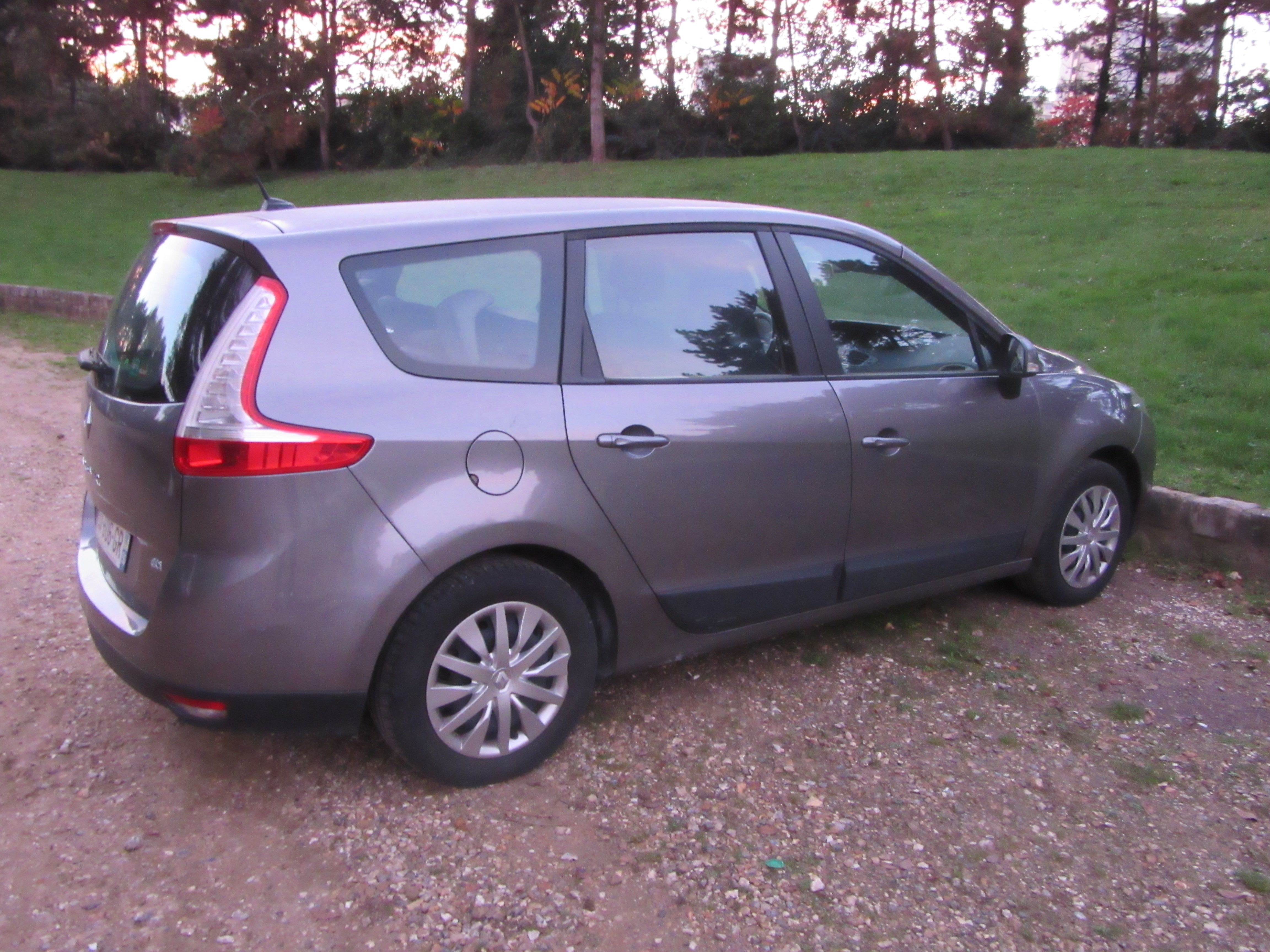 RENAULT GRAND SCENIC 7 places, 2010, Diesel, 7 places
