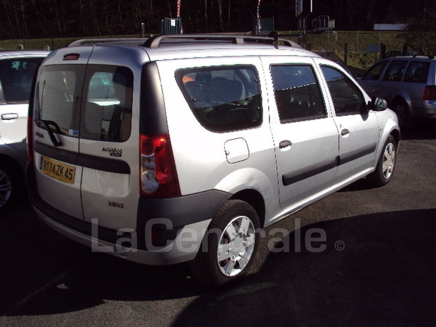 Dacia logan laureate, 2008, Essence, 7 places