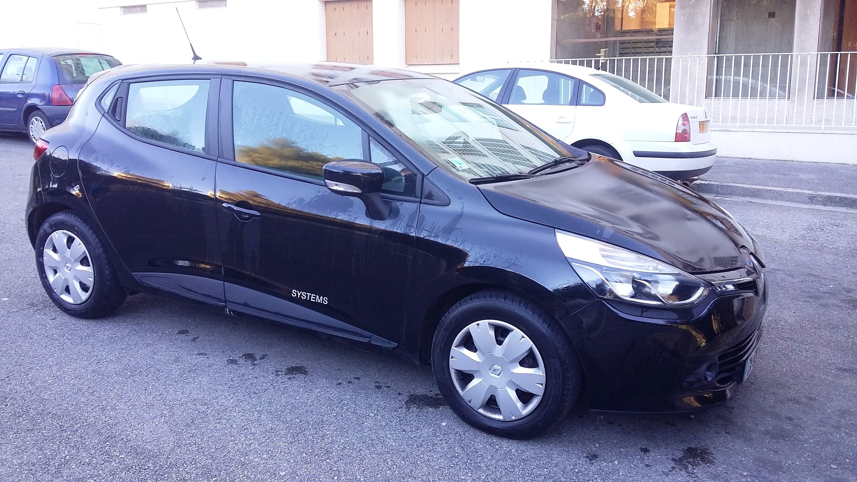 Renault Clio 4, 2013, Essence - Berline Marseille (13)