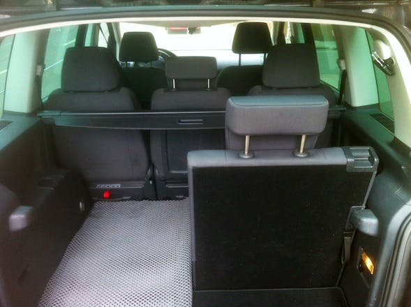 volkswagen touran 2007 diesel 7 sitze in dortmund dorstfelder hellweg 24 mieten. Black Bedroom Furniture Sets. Home Design Ideas