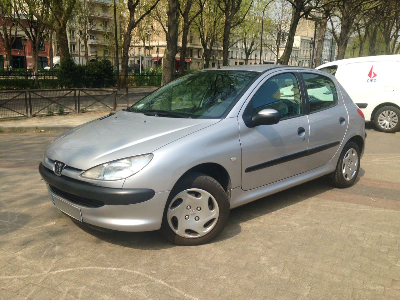 Peugeot 206, 2000, Essence - Citadine Paris (75)