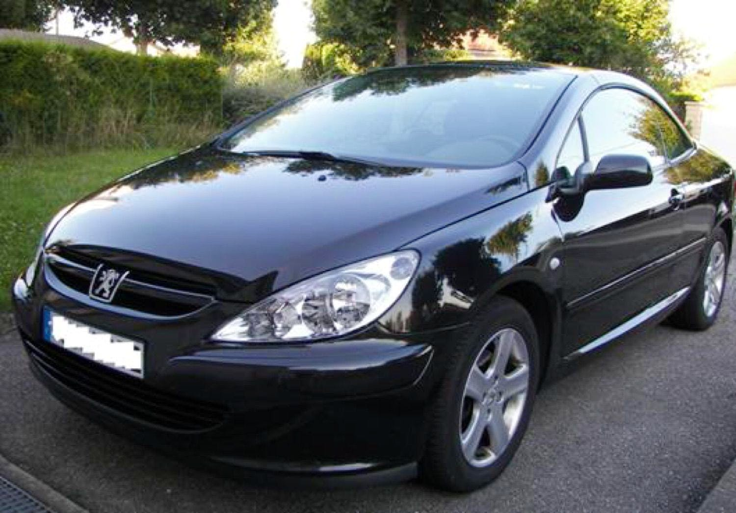 location peugeot 307 cc 2005  u00e0 marseille  100 traverse de