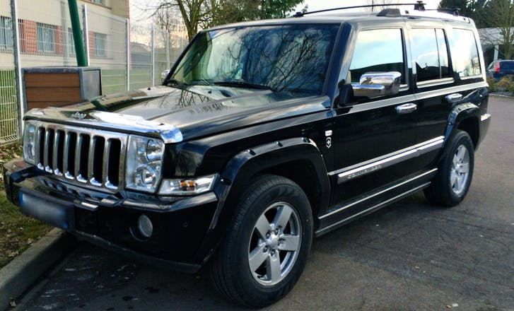 location jeep commander 2008 diesel automatique 7 places paris 21 rue de l 39 abb carton. Black Bedroom Furniture Sets. Home Design Ideas