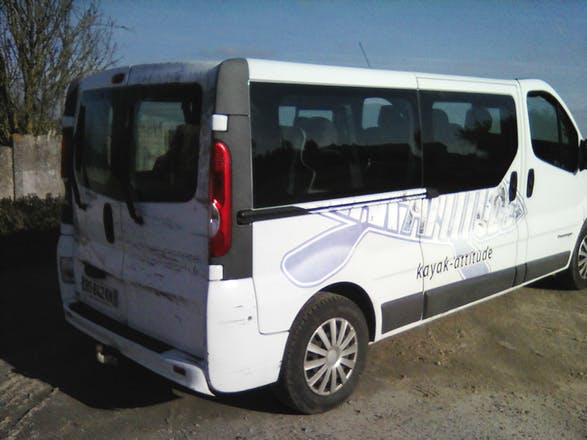 location minibus renault trafic passenger 2011 diesel 9 places rennes square d 39 alsace. Black Bedroom Furniture Sets. Home Design Ideas