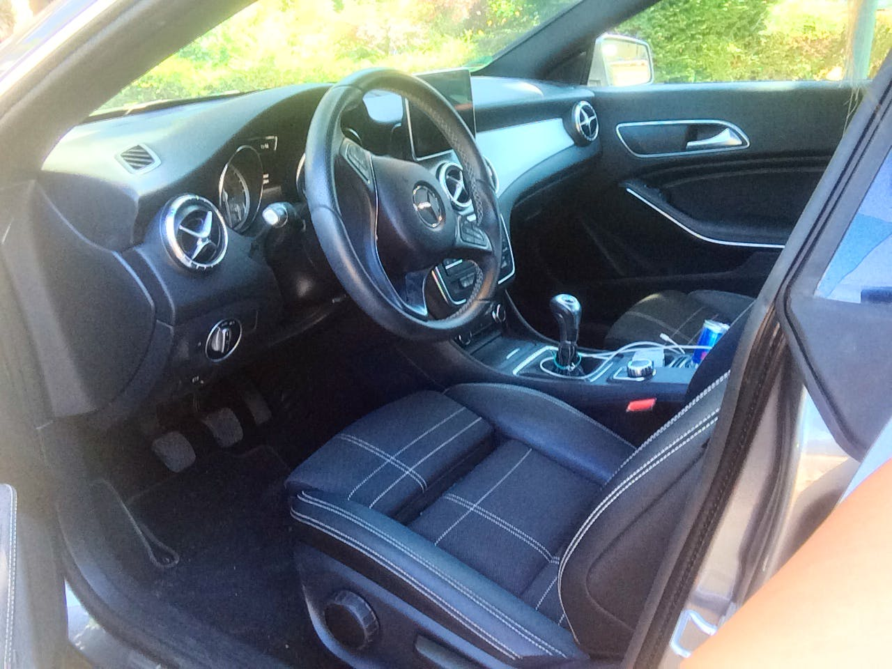 Mercedes CLA-Klasse 180 mit CD-Player