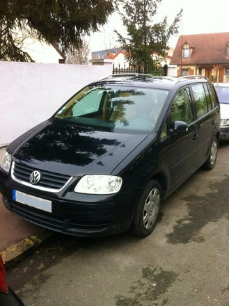location volkswagen touran 2003 diesel paris 27 rue de maubeuge. Black Bedroom Furniture Sets. Home Design Ideas