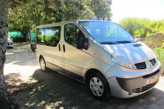 location minibus renault trafic passenger 2007 diesel 9 places monts gur sur lauzon 212 route. Black Bedroom Furniture Sets. Home Design Ideas
