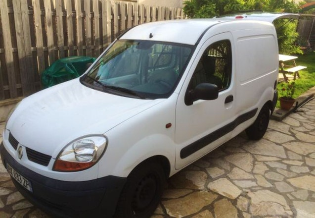 location renault kangoo 2004 diesel antibes 11 avenue de la paganette. Black Bedroom Furniture Sets. Home Design Ideas