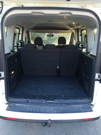 location fiat doblo diesel ventabren. Black Bedroom Furniture Sets. Home Design Ideas