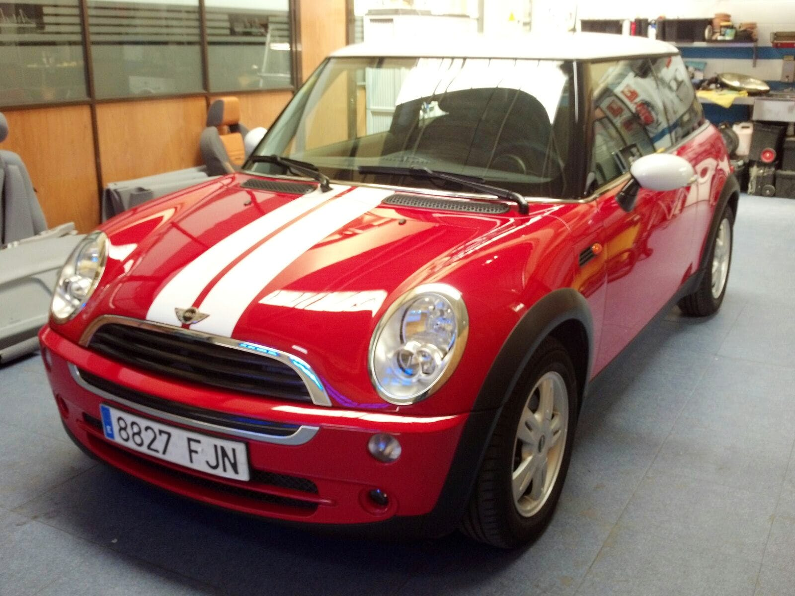 mini  one, 2006, SP98