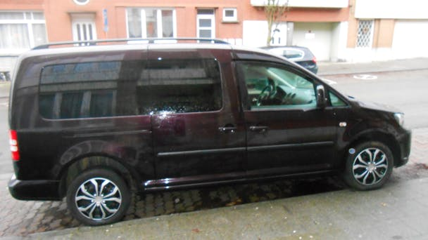 location volkswagen caddy maxi 2013 diesel 7 places brussel bruxelles midi. Black Bedroom Furniture Sets. Home Design Ideas