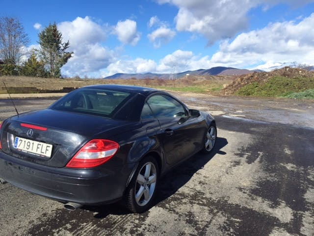 Mercedes slk350 con Reproductor de CD