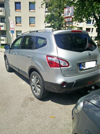 nissan qashqai 2 2011 diesel automatik 7 sitze in m nchen putzbrunner str mieten. Black Bedroom Furniture Sets. Home Design Ideas